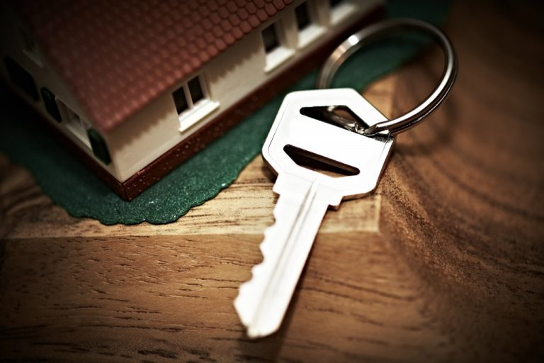 house model and key
