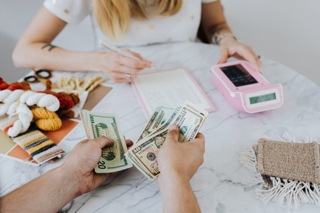 people counting cash