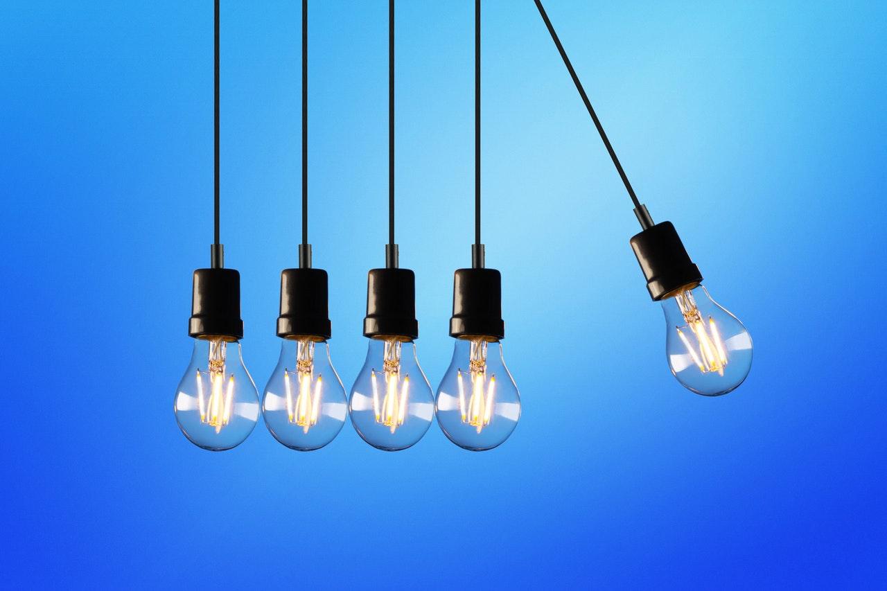 lightbulbs demonstrating conservation of energy